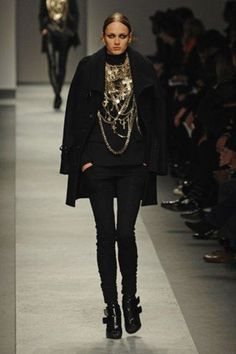 nice awesome cool See the complete Givenchy Fall 2008 Ready-to-Wear collection.... Haute couture Check mo... Haute couture