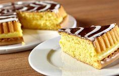 Smullen! Heerlijk taart met chocoladeglazuur! / Tags: idee recept lekker heerlijk origineel creatief taart chocolade chocoladeglazuur gebak zoet chocolate pie cake feest kinderen dessert feestelijk feestdagen kerst kerstmis kerstrecept pasen paasrecept fruit aarbeien gemakkelijk simpel merk soezie bloem bloemmix bloemmixen mix bloemsoort bloemsoorten bakmix bakmixen meelsoort meelsoorten meel bakbloem bakken brood gebak dessert toetje banketbakkersroom pudding