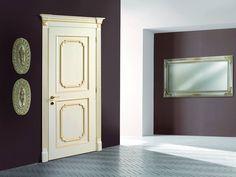 Diseño de puerta de interior estilo clásico, muy muy elegante.