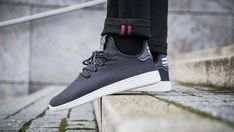 adidas pharrell williams tennis hu c carbonio / carbonio / nucleo bianco in un