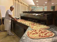"""Mario Petrolo il Pizzaiolo più veloce del mondo""""Pizzata Chilometro"""" - YouTube"""