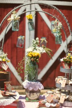 Vintage Style Wedding Ideas Inspired By Flea Market Finds - Rustic Wedding Chic