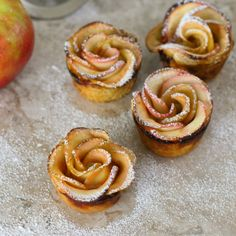 Wow your family and guests with these delicious Baked Apple Pie Roses. They're a complete Showstopper and surprisingly easy to make!