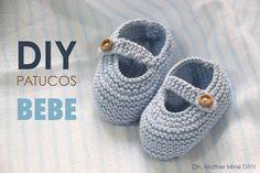 Clases de costura online gratis :D Booties Crochet, Crochet Shoes, Crochet Baby Hats, Baby Knitting Patterns, Knit Baby Shoes, Baby Boots, Knitting Videos, Crochet Videos, Baby Booties Free Pattern