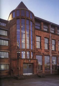 Scotland Street School, Charles Rennie Macintosh, 1906, Edinburgh, Scotland. I want to go here, what an awesome design school.