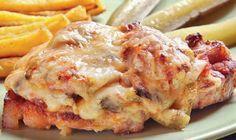 Sarkadi pecsenye Hungarian Recipes, Sweet And Salty, Meat Recipes, Lasagna, Mashed Potatoes, Sausage, Pork, Food And Drink, Beef