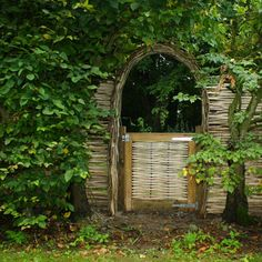 Woven Willow Gates & Arches - WonderWood