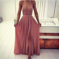Good morning all🌸 @billion.girlz #goodmorning #morning #instamorning #day #itsanewday #tagsforlikes #instashout #instalike #instafollow #awake #wakeupnow #wakeup #daylight #day #daytime #snooze #sleepy #sunnydays #gettingready #workday #work #picoftheday #glamorous #dress #early #sunrise #fashionblogger #fashion #styles #europei