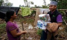Sempat Tertahan Longsor, Relawan DDS Salurkan Bantuan Kemanusiaan Bagi Korban Banjir Solsel - minangkabaunews.com