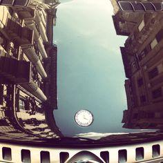 Budapest Garibaldi utca és egy Mercedes Benz