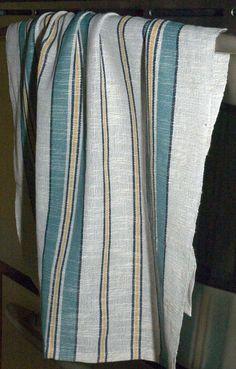 Patron linge a vaisselle coton et lin Janvier 2011 Loom Weaving, Hand Weaving, Art Textile, Weaving Projects, Weaving Patterns, Weaving Techniques, Tea Towels, Dish Towels, Clothing Patterns