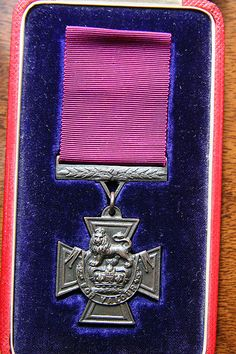Front of medal Zulu Warrior, Military Orders, British Soldier, Civilization, Badge, Gold Mine, South Africa, Awards, England