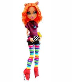 Howleen Wolf is looking. New Monster High Dolls, Monster High School, Monster High Doll Clothes, Monster High Art, Love Monster, Monster High Custom, Monster Girl, Bratz Doll, Ooak Dolls