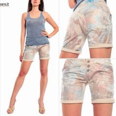 shorts Maryley on www. Bermuda Shorts, Women, Fashion, Moda, Fashion Styles, Fashion Illustrations, Shorts, Woman