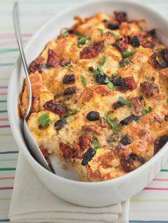 poivre, parmesan râpé, oeuf, lait, tomate, baguette, olives, petit piment, sel, yaourt nature