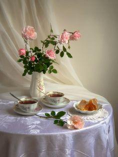 Good morning ☕☕🏵️🌹🌸 Chocolates, Good Night Friends, Baby Dedication, Good Morning Coffee, Beautiful Flower Arrangements, Breakfast In Bed, I Love Coffee, Afternoon Tea, Tea Time