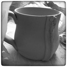 ... y'all may need to stage a zipper mug intervention. I just can't stop zippering ALL THE THINGS.