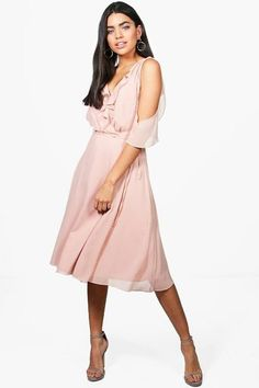 a05abc93239 Boohoo Rae Chiffon Frill Cold Shoulder Midi Dress