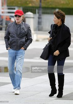 Robert Redford and his wife Sibylle Szaggars take in the tourist attractions on November 27, 2012 in Madrid, Spain.