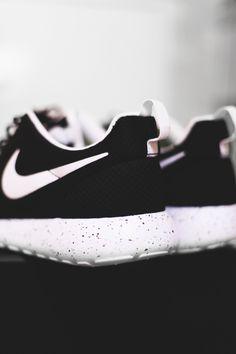 176ac144ef MY EYES OPEN Nike Running Shoes Women