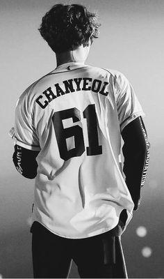 #chanyeol #parkchanyeol #exo #exochanyeol #pcy Baekhyun, Lightstick Exo, Park Chanyeol Exo, K Pop, Kdrama, Rapper, Kim Minseok, Park Chaeyoung, Exo Members