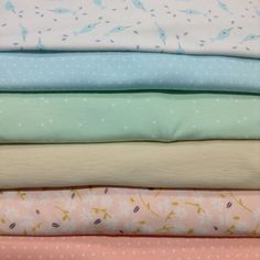 Order of the day!! These soft pastel knits are sooooo adorable! 😍🌈☺️