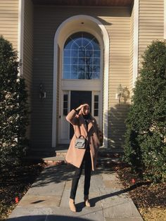The Girl From Connecticut - Page 2 of 18 - A blog by Jada Nicola Simple Outfits, Fall Outfits, Teddy Coat, Seasons Of The Year, What's Trending, Jada, Fall Trends, Fall Looks, Fall Wardrobe