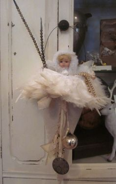 Vintage-look jingle bell doorknob hanger -   Love! ༻✰༺ (Fairy Merry Christmas)