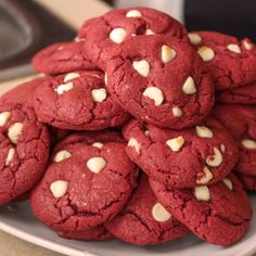 Easy Red Velvet Cookies Valentine's Day is just around the corner and I immediately thought these Easy Red Velvet Cookies would be a perfect way to celebrate love in the air. Cake Box Cookies, Cake Mix Cookie Recipes, Box Cake Mix, Peanut Butter Cookie Recipe, Yummy Cookies, Dessert Recipes, Red Velvet Cake Mix, Red Velvet Cookies, White Chocolate Chips