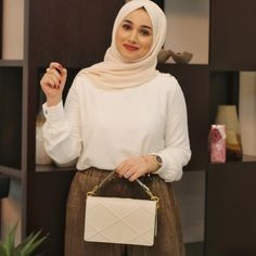 Peaceful Mind = Peaceful life 🙏🏻#goodnight تصبحون على سعادة💛 . . . . #nooralhajjaj #fashion #fashionblogger #fashionable #fashionaddict #fashionicon #styleblogger #style #styleinspo #hijab #hijabstyle #hijabfashion #positivethinking #positiveenergy #positivity #positivevibes #streetwear #streetstyle #streetfashion #lookbook #lookoftheday #ootd #ootdshare #outfitoftheday #dubai #dubaifashion #dubaistreetstyle  #dubaiblogger #lifestyleblogger