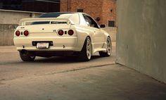 Nissan Skyline R32...