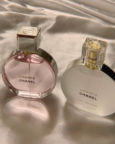 Perfume Scents, Perfume Bottles, Fragrance, Beauty Care, Beauty Skin, Parfum Victoria's Secret, Parfum Chanel, Chance Chanel, Classy Aesthetic