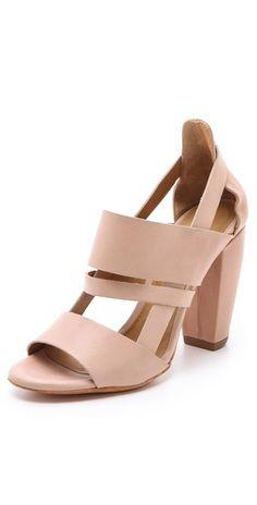 the perfect summer heel