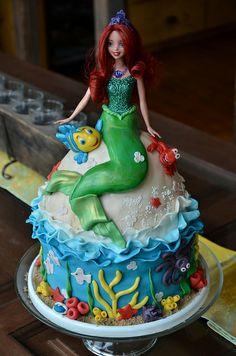 Akiko White Little Mermaid cake |