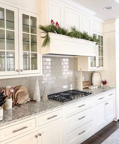 4 Things I would Definitely Change if I Built my Home Again (and 4 Things I would Never Change!) & Caroline on Design Source by The post 4 Things I would Definitely Change if I Built my Home Again (and 4 Things I would Never Change! Home Again, Home Decor Kitchen, New Kitchen, Kitchen Hoods, Rustic Kitchen, Country Kitchen, 10x10 Kitchen, Kitchen Modern, Kitchen Tips