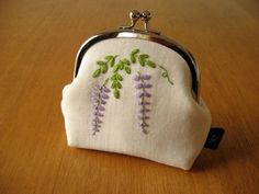 Wisteria Kisslock Snap Frame Pouch Hand Embroidered by yhandmade, ¥3800