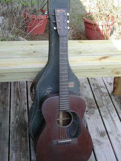 Guitar - General: Martin Guitar, 00-17 Martin guitar