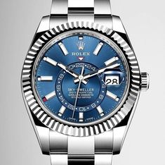 The Rolex Sky-Dweller provides, with unprecedented legibility, the information global travelers need to easily keep track of two time zones. Local time is read via the traditional hands while the time at home is displayed in a 24-hour format on the rotating disc on the dial.