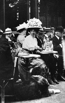 Terrasse du café de la Paix. Paris, France, 1900, by Albert Harlingue