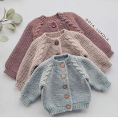 english-knitting-pattern-for-beginners-sweater-jumper-basic-baby-cardigan-toddle/ - The world's most private search engine Baby Cardigan Knitting Pattern Free, Baby Sweater Patterns, Knitted Baby Cardigan, Knit Baby Sweaters, Toddler Sweater, Cardigan Pattern, Knitted Hats, Free Knitting, Baby Knits