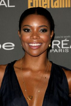 Gabrielle Union Ponytail - Gabrielle Union was a classic beauty at the Entertainment Weekly pre-Emmy party with this sleek center-parted ponytail.