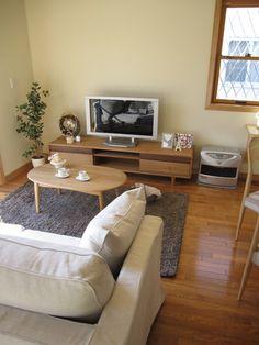 ナラ材やタモ材を使用した家具を中心にナチュラルカントリー風のコーディネート事例をご紹介します!