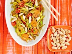 Kung Pao Chicken, Pasta Salad, Green Beans, Chili, Curry, Vegetables, Eat, Ethnic Recipes, Food