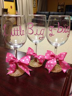 i love the bows and glitter bottom/stem, nice idea for someone's 21st, bachelorette, or graduation.