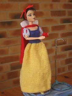 barbie blanche neige tuto : http://tricotdamandine.over-blog.com/tag/princes%20et%20princesses%20disney/