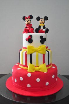 Mickey and Minnie cake. Bolo Mickey E Minnie, Mini Y Mickey, Theme Mickey, Mickey Cakes, Mickey Party, Mickey Mouse Birthday, Twin Birthday Cakes, Custom Birthday Cakes, Minni Mouse Cake