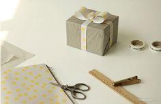 ¡Qué bonitos quedarán nuestros regalos envueltos con el bloc de papeles Dailylike! ¡Seguro que guardas el papel!  Encontrarás este producto en nuestra tienda online shop.innspiro.com o en tiendas especializadas.