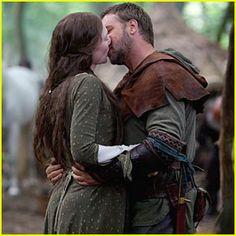robin hood movie kiss   Robin Hood has loses against Iron Man 2   iFreshNews