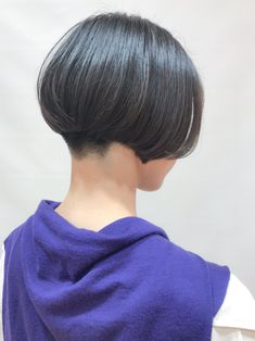 Asian Short Hair, Short Hair Cuts, Short Hair Styles, Stacked Bobs, Haircut And Color, Bob Hairstyles, Hair Beauty, Elegant, Women