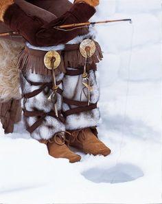 Des jambières en fourrure / Leg warmers in fur